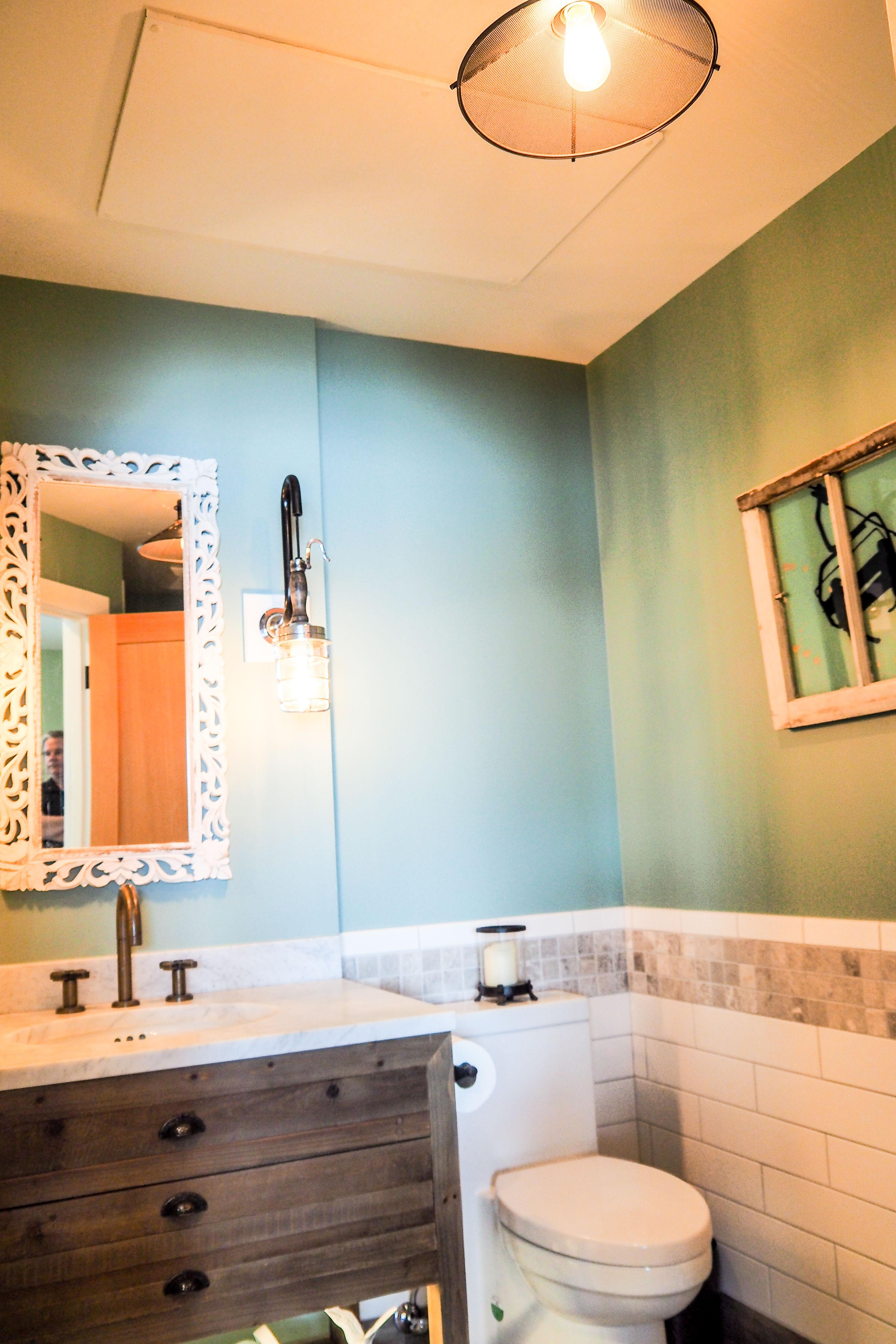 Ducoterra SolaRay Far Infrared Panel in a Bathroom
