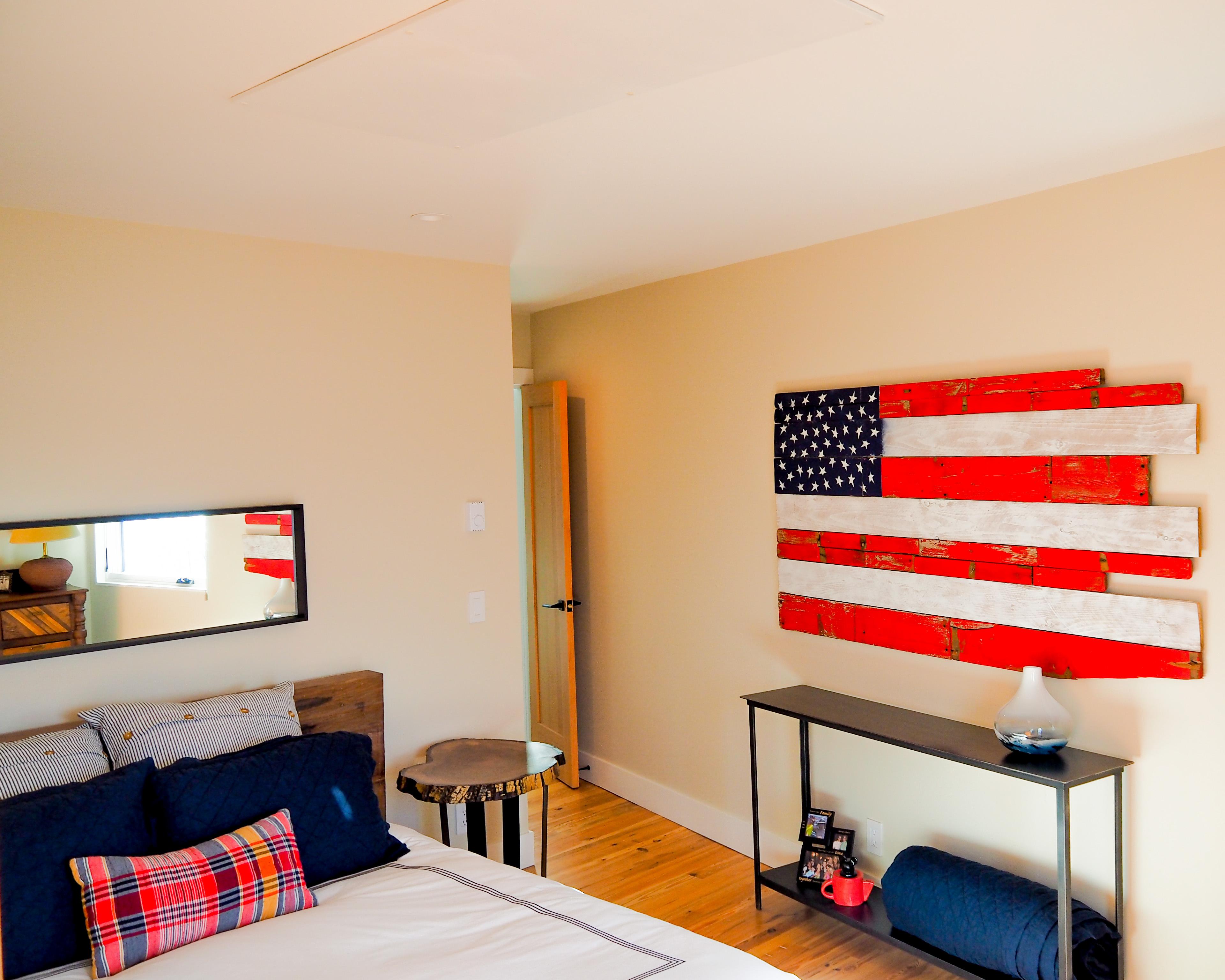 Ducoterra SolaRay Far Infrared Panel in a Bedroom